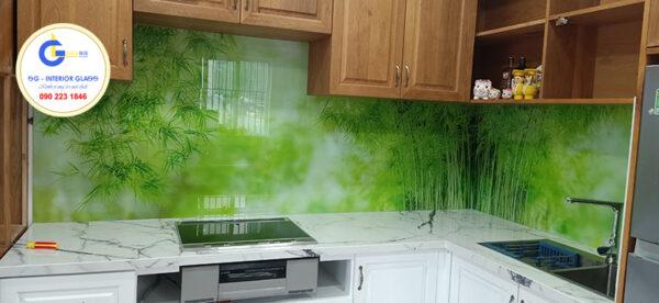 Tường bếp ốp kính 3D