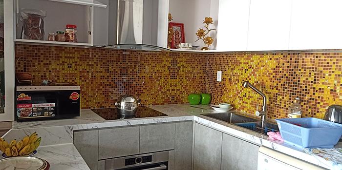 Mặt dựng kính vân mosaic