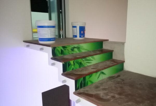 Mặt dưng cầu thang ốp kính
